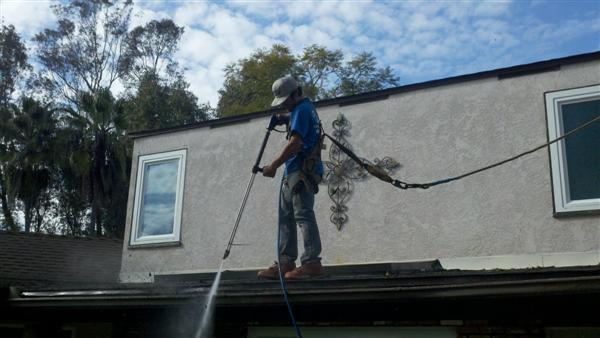 Power Washing a Rain Gutter