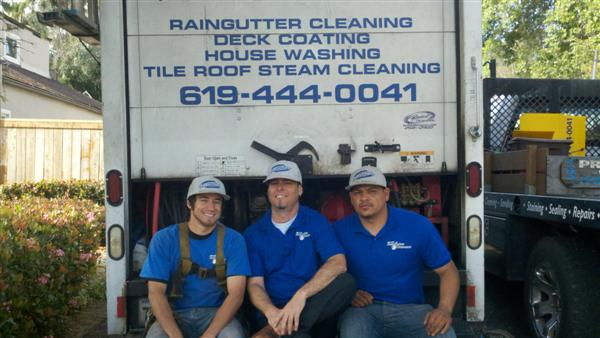 Rain Gutter Cleaning in Del Mar